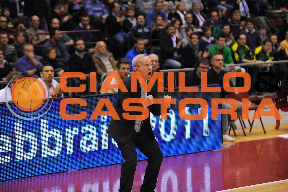 DESCRIZIONE : Milano Lega A 2010-11 Armani Jeans Milano Dinamo Sassari<br /> GIOCATORE : Coach Dan Peterson<br /> SQUADRA : Armani Jeans Milano<br /> EVENTO : Campionato Lega A 2010-2011<br /> GARA : Armani Jeans Milano Dinamo Sassari<br /> DATA : 27/02/2011<br /> CATEGORIA : Ritratto Esultanza<br /> SPORT : Pallacanestro<br /> AUTORE : Agenzia Ciamillo-Castoria/A.Dealberto<br /> Galleria : Lega Basket A 2010-2011<br /> Fotonotizia : Milano Lega A 2010-11 Armani Jeans Milano Dinamo Sassari<br /> Predefinita :