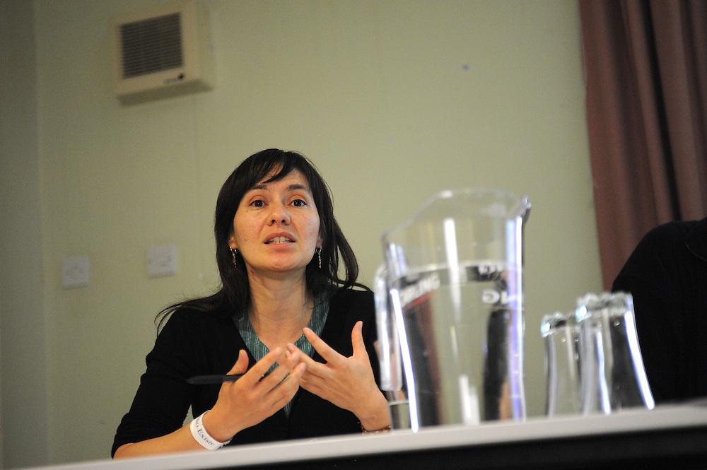 El Sueno Existe Festival<br /> Machynlleth<br /> Wales<br /> Political Workshop: 'Eyewitness Columbia: Communities in Resistance'<br /> Diana Salazar, Columbia Solidarity Campaign.