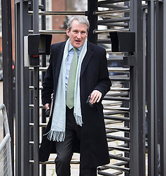© Licensed to London News Pictures. 05/02/2019. London, UK. Secretary of State for Education DAMIAN HINDS leaves Downing Street via a back entrance following a cabinet meeting. British PM Theresa May is heading to Northern Ireland where she will meet with business leaders to re-assure them on Brexit issues and the EU withdrawal agreement. Photo credit: Ben Cawthra/LNP