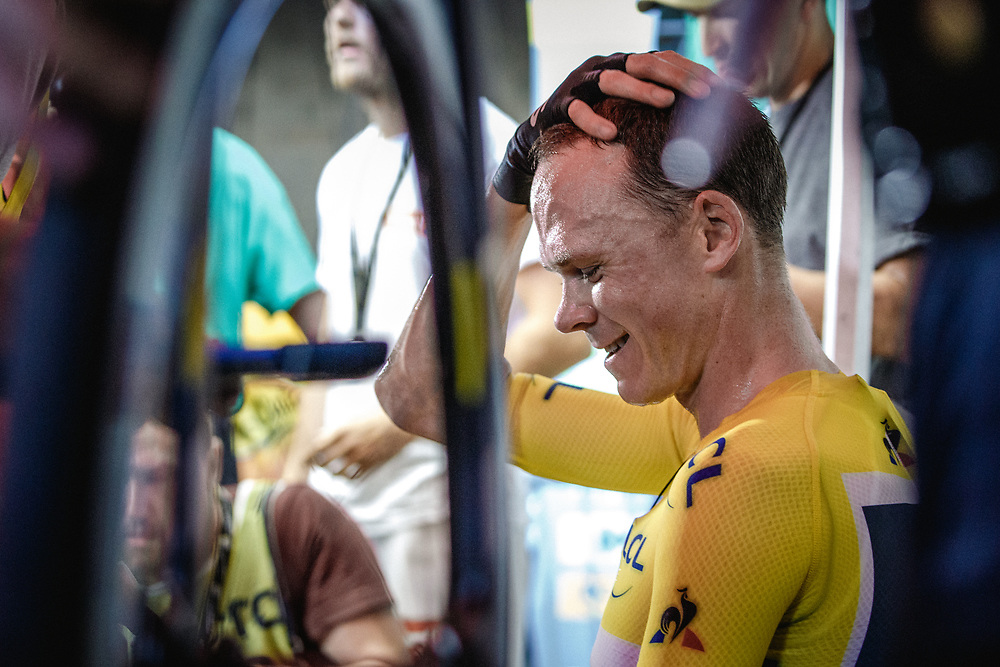 A moment to let it all sink in, Chris Froome took refuge behind the technical zone. Photo: Iri Greco / BrakeThrough Media | www.brakethroughmedia.com