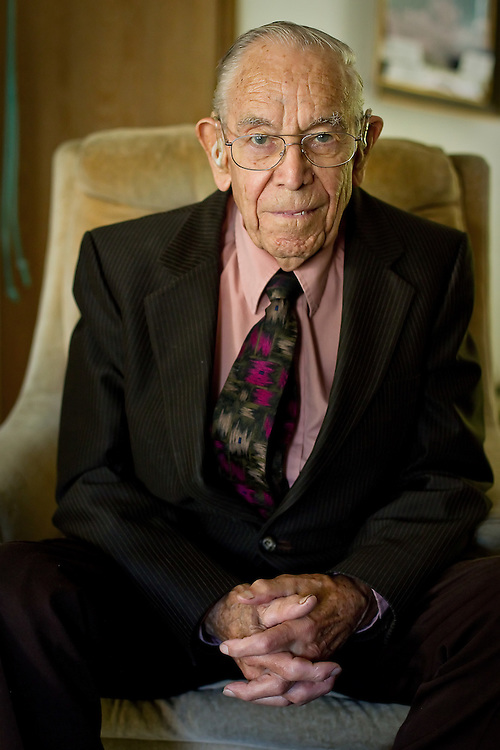 Earl Hunter, 95, traveled the world doing missionary work with his family but found himself taking on many roles as a local doctor, the neighborhood handyman, even the peacekeeper.