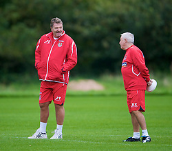 CARDIFF, WALES - Friday, September 5, 2008: Wales' manager John Toshack and assistant coach Roy Evans during training at Vale of Glamorgan Hotel ahead of the second 2010 FIFA World Cup South Africa Qualifying Group 4 match against Russia. (Photo by David Rawcliffe/Propaganda)