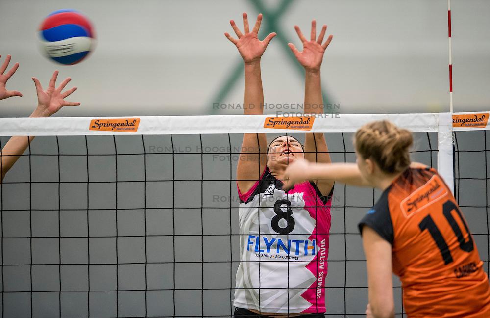 22-10-2016 NED: Springendal/Set Up`65 - Flynth Flamingo's Activia, Ootmarsum<br /> In Ootmarsum was Set-Up'65 in vier sets te sterk voor Fast. In de eerste drie sets was het verschil minimaal (25-23, 23-25, 26-24) / Shannon Gerhardt #8 of Flamingo