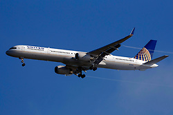 Boeing 757-33N (N75861) operated by United Airlines on approach to San Francisco International Airport (SFO), San Francisco, California, United States of America