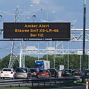 NLD/Amsterdam/20130615 - Amber Alert borden boven de snelweg, deze worden geactiveerd bij de vermissing van een kind met een bekende dader of wagen