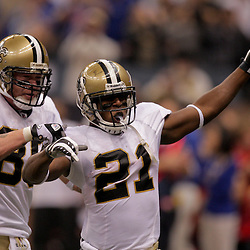 2009 October 18: New Orleans Saints running back Mike Bell (21) celebrates with teammate tight end Jeremy Shockey (88) after scoring a touchdown during the first quarter against the New York Giants at the Louisiana Superdome in New Orleans, Louisiana.