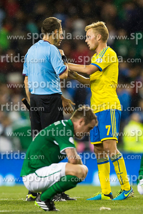 06.09.2013, Aviva Stadium, Dublin, IRL, FIFA WM Qualifikation, Irrland vs Schweden, Rueckspiel, im Bild Sverige 7 Sebastian Larsson thanks the referee // after Sweden defeats Ireland in their World Cup qualification // during the FIFA World Cup Qualifier second leg Match between Ireland and Sweden at the Aviva stadium, Dublin, Ireland on 2013/09/06. EXPA Pictures &copy; 2013, PhotoCredit: EXPA/ PicAgency Skycam/ Michael Campanella<br /> <br /> ***** ATTENTION - OUT OF SWE *****