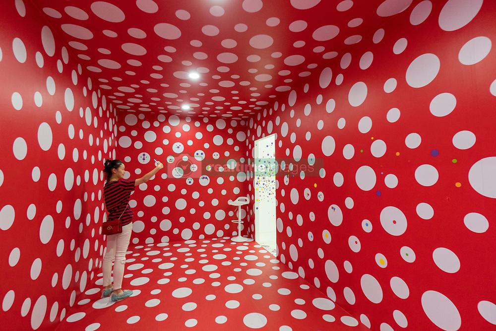 September 29, 2018 - Shanghai, China - The exhibition of Yayoi Kusama and Murakami Takashi is held at a shopping mall in Shanghai, China. (Credit Image: © SIPA Asia via ZUMA Wire)