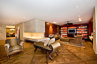 Living Room at Fifth Avenue