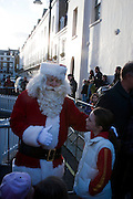 FATHER XMAS, Belgravia Christmas Sunday. Elizabeth Street, Motcomb Street and Pimlico Rd. various Christmas activities. Father Christmas will also visited each street on his sleigh pulled by his reindeer. London. 6 December 2009<br />  <br />  *** Local Caption *** -DO NOT ARCHIVE-&copy; Copyright Photograph by Dafydd Jones. 248 Clapham Rd. London SW9 0PZ. Tel 0207 820 0771. www.dafjones.com.<br /> FATHER XMAS, Belgravia Christmas Sunday. Elizabeth Street, Motcomb Street and Pimlico Rd. various Christmas activities. Father Christmas will also visited each street on his sleigh pulled by his reindeer. London. 6 December 2009