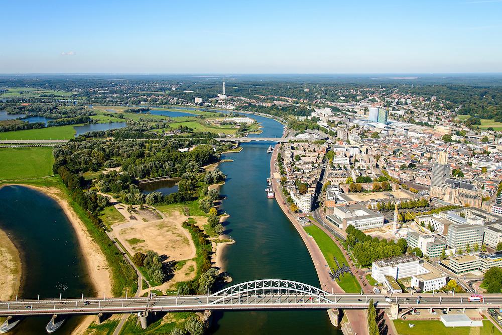 Nederland, Gelderland, Arnhem, 30-09-2015; John Frostbrug over de Nederrijn bij Arnhem. Zicht op de binnenstad.<br /> <br /> John Frost Bridge crossing the Lower Rhine at Arnhem.<br /> luchtfoto (toeslag op standard tarieven);<br /> aerial photo (additional fee required);<br /> copyright foto/photo Siebe Swart