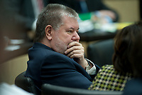 10 FEB 2012, BERLIN/GERMANY:<br /> Kurt Beck, SPD, Ministerpraesident Rheinland-Pfalz, waerend einer Bundesratessitzung, Bundesrat<br /> IMAGE: 20120210-03-037<br /> KEYWORDS: SItzung, Bundesrat