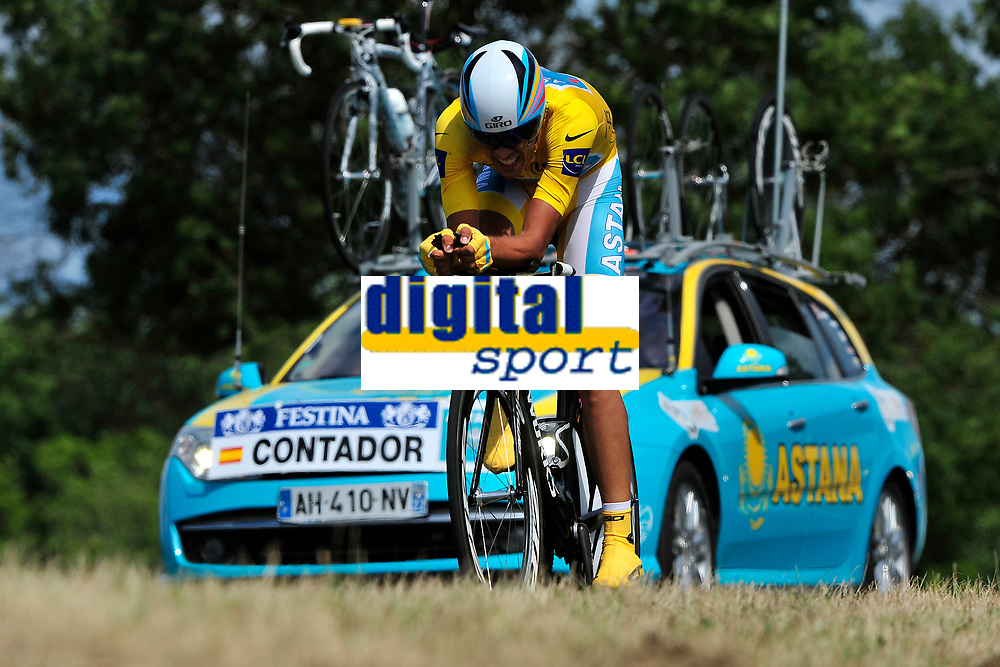CYCLING - TOUR DE FRANCE 2010 - PAUILLAC (FRA) - 24/07/2010 - PHOTO : ELODIE FROMENT / DPPI - <br /> STAGE 19 - INDIVIDUAL TIME TRIAL - ALBERTO CONTADOR (ESP) / ASTANA / LEADER