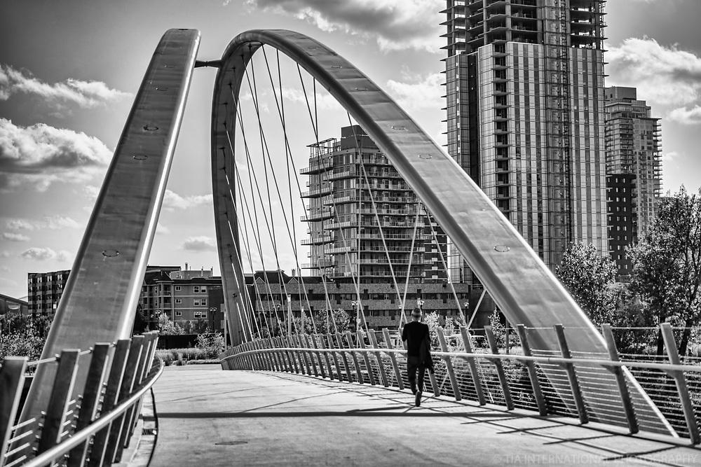 George C. King Bridge, Riverwalk (monochrome)