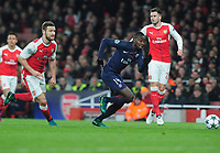 Football - 2016 / 2017 UEFA Champions League - Group A: Arsenal vs. Paris Saint-Germain<br /> <br /> Blaise Matuidi of PSG crosses the ball for Cavani to score his goal at The Emirates.<br /> <br /> COLORSPORT/ANDREW COWIE