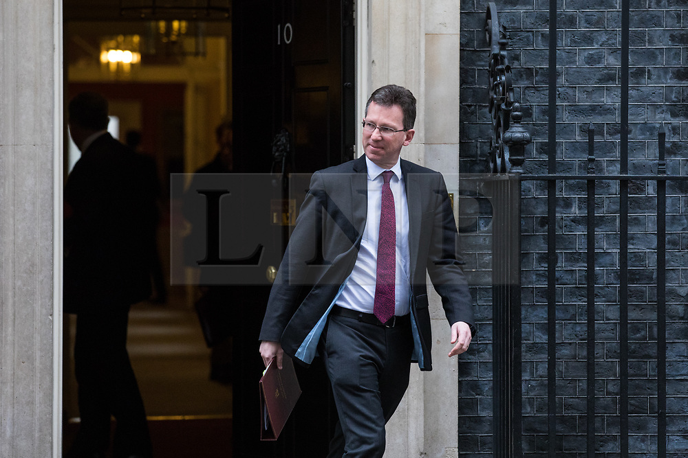 © Licensed to London News Pictures. 14/11/2017. London, UK. Attorney General Jeremy Wright leaves 10 Downing Street after the weekly Cabinet meeting. Photo credit: Rob Pinney/LNP