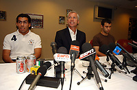 Photo: Olly Greenwood.<br />West Ham United Press Conference. 05/09/2006. <br />West Ham manager Alan Pardew (C) with Carlos Teves (L) and Javier Mascherano.