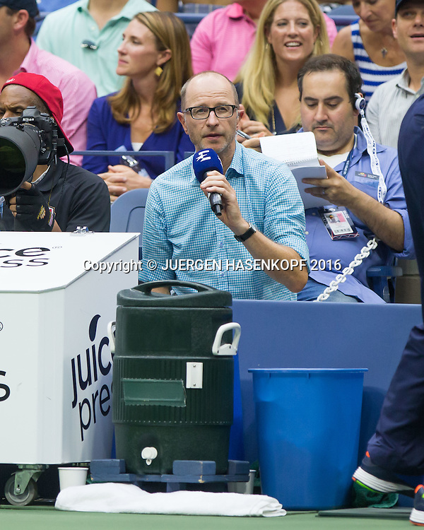 US Open 2016 Feature,Eurosport Kommentator Matthias Stach kommentiert direkt vom  Spielfeldrand,.Tv,Media,<br /> <br /> Tennis - US Open 2016 - Grand Slam ITF / ATP / WTA -  USTA Billie Jean King National Tennis Center - New York - New York - USA  - 10 September 2016.