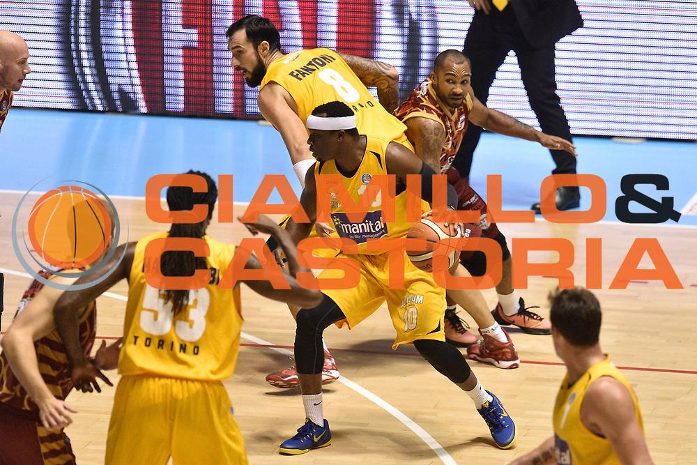 DESCRIZIONE : Torino Lega A 2015-16  Manital Auxilium Torino vs Umana Reyer Venezia<br /> GIOCATORE : Dawan Robinson<br /> CATEGORIA : Blocco sequenza<br /> SQUADRA : Manital Auxilium Torino<br /> EVENTO : Campionato Lega A 2015-2016<br /> GARA : Manital Auxilium Torino vs Umana Reyer Venezia<br /> DATA : 05/10/2015<br /> SPORT : Pallacanestro <br /> AUTORE : Agenzia Ciamillo-Castoria/GiulioCiamillo<br /> Galleria : Lega Basket A 2015-2016  <br /> Fotonotizia : Torino  Lega A 2015-16 Manital Auxilium Torino vs Umana Reyer Venezia<br /> Predefinita :