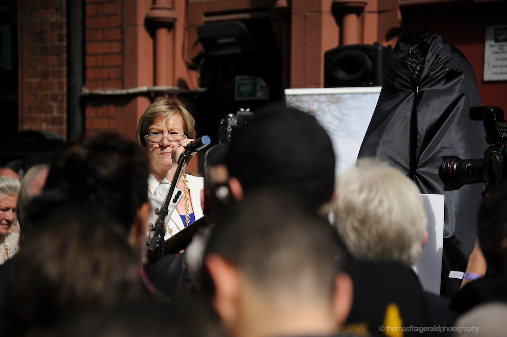 Politicians Speak at Phil Lynott Statue Unveiling<br /> <br /> The Statue is being unveiled, having being repaired following damage by vandals earlier this year. Several musicians played at the event and the star's mother, Philimena Lynott gave a moving speech about her Son and the Statue. EDITORIAL ONLY