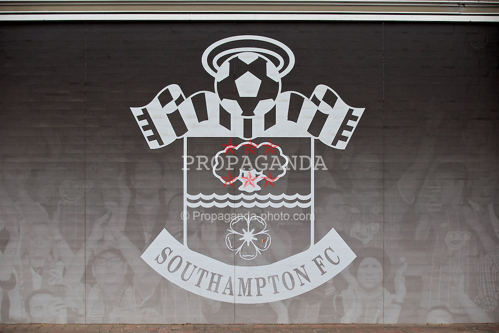 SOUTHAMPTON, ENGLAND - Sunday, March 20, 2016: Southampton's club crest during the FA Premier League match against Liverpool at St Mary's Stadium. (Pic by David Rawcliffe/Propaganda)