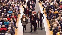20.04.2016, Messe Essen, Essen, GER, Hauptversammlung RWE AG, im Bild Aktivisten von Greenpeace wird bei der Hauptversammlung von RWE von Sicherheitskraeften von der B?hne getragen, +++PERSOENLICHKEITSRECHTE BEACHTEN++ // during the annual general meeting of RWE AG at the Messe Essen in Essen, Germany on 2016/04/20. EXPA Pictures © 2016, PhotoCredit: EXPA/ Eibner-Pressefoto/ Deutzmann<br /> <br /> *****ATTENTION - OUT of GER*****