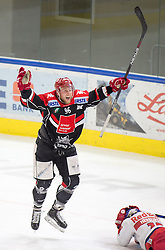 19.02.2017, Tiroler Wasserkraft Arena, Innsbruck, AUT, EBEL, HC TWK Innsbruck die Haie vs EC Red Bull Salzburg, Platzierungsrunde, im Bild Mario Huber (HC TWK Innsbruck  die Haie) und Andrew Clark (HC TWK Innsbruck  die Haie) // during the Erste Bank Erste Bank Icehockey placement round match between HC TWK Innsbruck  die Haie and EC Red Bull Salzburg at the Tiroler Wasserkraft Arena in Innsbruck, Austria on 2017/02/19. EXPA Pictures © 2017, PhotoCredit: EXPA/ Jakob Gruber// during the Erste Bank Erste Bank Icehockey placement round match between HC TWK Innsbruck  die Haie and EC Red Bull Salzburg at the Tiroler Wasserkraft Arena in Innsbruck, Austria on 2017/02/19. EXPA Pictures © 2017, PhotoCredit: EXPA/ Jakob Gruber