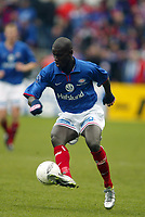 Fotball, 3. november 2002. Cupfinale herrer, (finale NM for menn), Vålerenga - Odd Grenland 1-0. Pa-Modou Kah, Vålerenga.