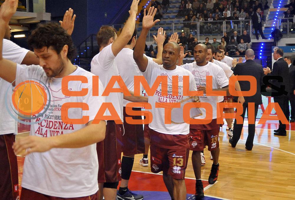 DESCRIZIONE : Biella Lega A 2011-12 Angelico Biella Umana Venezia<br /> GIOCATORE : Alvin Young Tim Bowers<br /> SQUADRA : Umana Venezia<br /> EVENTO : Campionato Lega A 2011-2012<br /> GARA : Angelico Biella Umana Venezia<br /> DATA : 20/11/2011<br /> CATEGORIA : Presentazione<br /> SPORT : Pallacanestro <br /> AUTORE : Agenzia Ciamillo-Castoria/ L.Goria<br /> Galleria : Lega Basket A 2011-2012 <br /> Fotonotizia : Biella Lega A 2011-12 Angelico Biella Umana Venezia<br /> Predefinita :