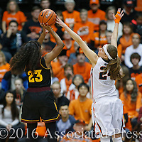 Arizona State's Elisha Davis, left, has her shot blocked by Oregon State's Sydney Wiese, right, in the half of an NCAA college basketball game in Corvallis, Ore., on Monday, Feb. 1, 2016. (AP Photo/Timothy J. Gonzalez)