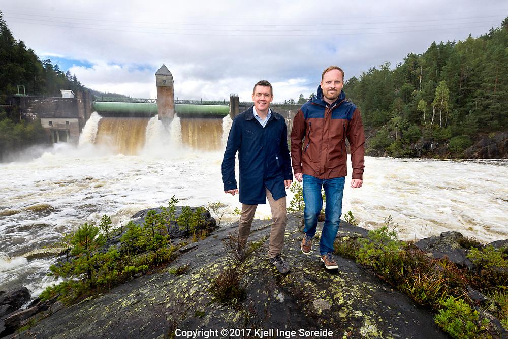 20170911 Iveland, <br /> <br /> Snart kan Kunstig intelligens styre vannkraftverk <br /> <br /> Ole-Christoffer Granmo (UiA) og Bernt Viggo Matheussen (Agder Energi)<br /> <br /> Agder Energi og Universitetet i Agder vil at datamaskiner selv skal lære seg å styre kraftproduksjonen.<br /> <br /> <br /> Foto: Kjell Inge Søreide