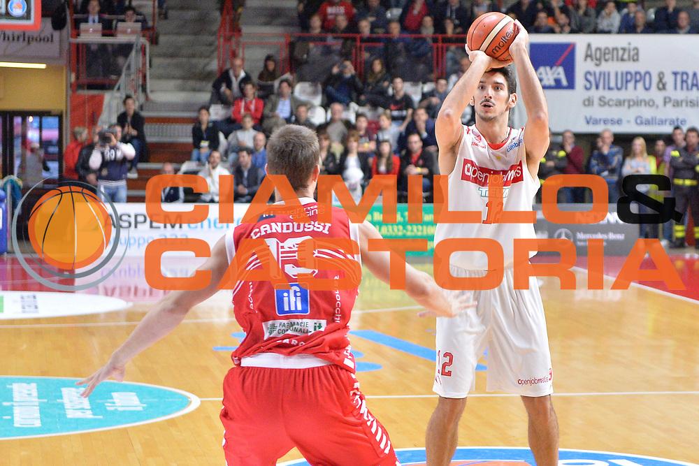 DESCRIZIONE : Varese Lega A 2015-16 Openjobmetis Varese vs Consultinvest Pesaro<br /> GIOCATORE : Luca Campani<br /> CATEGORIA : Tiro<br /> SQUADRA : Openjobmetis Varese<br /> EVENTO : Campionato Lega A 2015-2016<br /> GARA : Openjobmetis Varese Consultinvest Pesaro<br /> DATA : 18/10/2015<br /> SPORT : Pallacanestro <br /> AUTORE : Agenzia Ciamillo-Castoria/I.Mancini<br /> Galleria : Lega Basket A 2015-2016  <br /> Fotonotizia : Openjobmetis Varese  Lega A 2015-16 Openjobmetis Varese vs Consultinvest Pesaro<br /> Predefinita :
