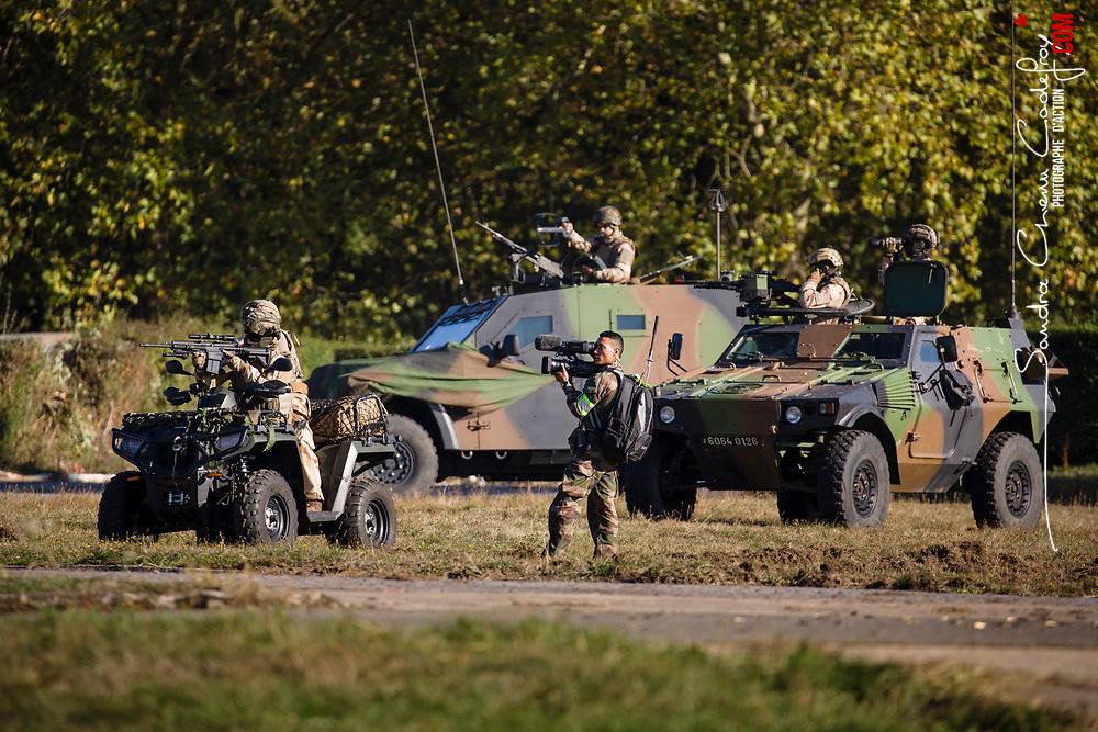 Présentation des capacités de l'armée de Terre le jeudi 4 octobre 2018.  Démonstrations dynamiques présentant l'ensemble du spectre d'engagement des forces armées terrestre. Tableau 2 : Gestion de crise<br /> Octobre 2018 / Versailles (78) / FRANCE<br /> Voir le reportage complet (33 photos) https://sandrachenugodefroy.photoshelter.com/gallery/2018-10-AdT-Show-demonstration-de-lArmee-de-Terre-Complet/G0000834qg1SM.HA/C0000yuz5WpdBLSQ