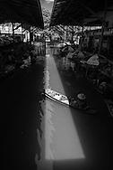 Thailand. Damnoen Saduak Floating Market/ Marché Flottant à  Damnoen Saduak.