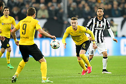 24.02.2015, Juventus Stadium, Turin, ITA, UEFA CL, Juventus Turin vs Borussia Dortmund, Achtelfinale, Hinspiel, im Bild am Ball Marco Reus #11 (Borussia Dortmund), Claudio Marchisio #8 (Juventus Turin) // during the UEFA Champions League Round of 16, 1st Leg match between between Juventus Turin and Borussia Dortmund on at the Juventus Stadium in Turin, Italy on 2015/02/24. EXPA Pictures © 2015, PhotoCredit: EXPA/ Eibner-Pressefoto/ Kolbert<br /> <br /> *****ATTENTION - OUT of GER*****
