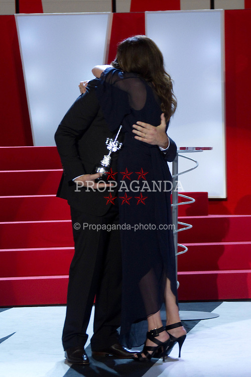 20.09.2010, Kursaal Palace, San Sebsatian, ESP, Donostia Award im Bild Javier Bardem and Julia Roberts attend 'Donostia' award ceremony at the Kursaal Palace during the 58th San Sebastian international Film Festival, EXPA Pictures © 2010, PhotoCredit: EXPA/ InsideFoto/ Cesar Cebolla / ALFAQUI *** ATTENTION *** FOR AUSTRIA AND SLOVENIA USE ONLY!