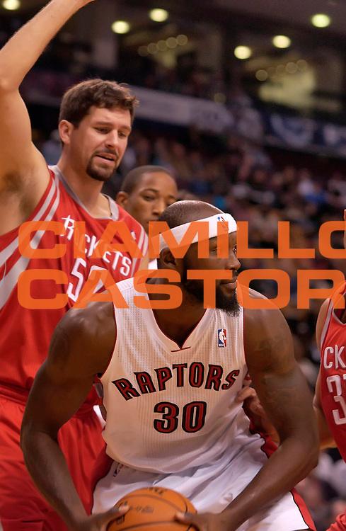 DESCRIZIONE : Toronto NBA 2010-2011 Toronto Raptors Houston Rockets<br /> GIOCATORE : Reggie Evans<br /> SQUADRA : Toronto Raptors Houston Rockets<br /> EVENTO : Campionato NBA 2010-2011<br /> GARA : Toronto Raptors Houston Rockets<br /> DATA : 19/11/2010<br /> CATEGORIA :<br /> SPORT : Pallacanestro <br /> AUTORE : Agenzia Ciamillo-Castoria/V.Keslassy<br /> Galleria : NBA 2010-2011<br /> Fotonotizia : Toronto NBA 2010-2011 Toronto Raptors Houston Rockets<br /> Predefinita :