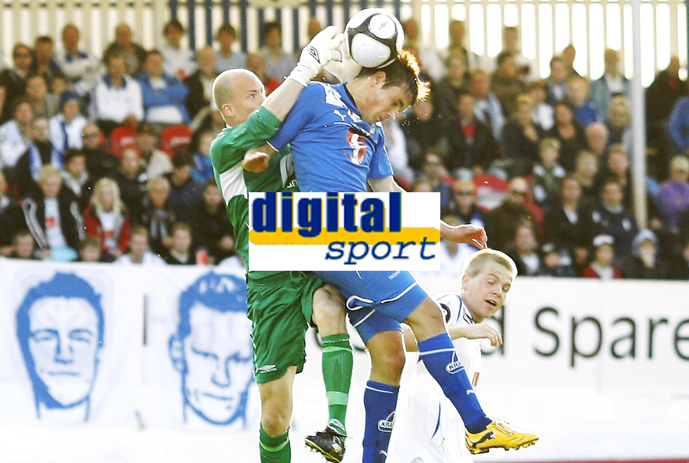 Fotball, 28. august  2010 , Tippeligaen , eliteserien<br /> Haugesund - Troms&oslash; 0-0<br /> <br /> Per Morten Kristiansen  , Haugesund<br /> Remi Johansen , TIL<br /> <br /> Foto: Anders Hoven , Digitalsport