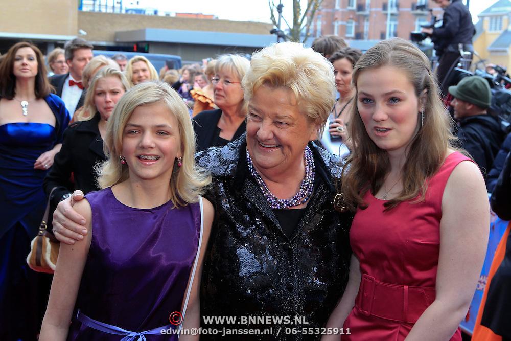NLD/Scheveningen/20100411 - Premiere musical Mary Poppins, Erica Terpstra en kleinkinderen