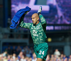 LIVERPOOL, ENGLAND - Saturday, October 1, 2011: Everton's goalkeeper Tim Howard during the Premiership match against Liverpool at Goodison Park. (Pic by David Rawcliffe/Propaganda)