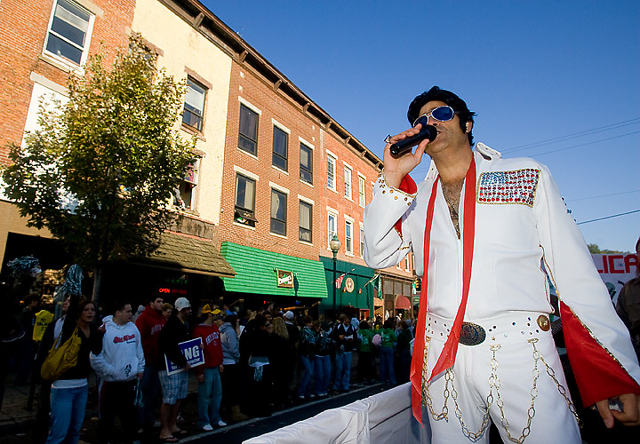 Alex Couladis sings as Elvis Presley during the Homecoming Parade on Saturday, October 13, 2007 in Athens, Ohio..Photo by Kevin Riddell
