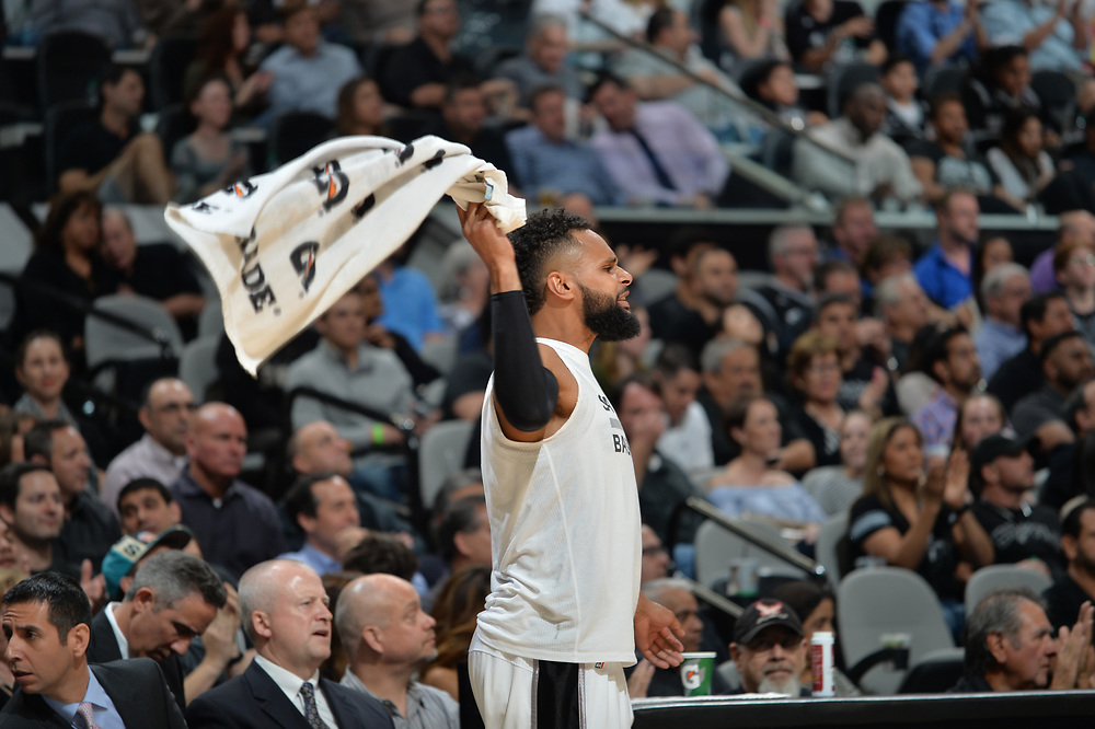 SAN ANTONIO TX - MARCH 6:  San Antonio Spurs vs Houston Rockets at the AT&T Center in San Antonio, Texas.  NOTE TO USER: User expressly acknowledges and agrees that, by downloading and or using this photograph, User is consenting to the terms and conditions of the Getty Images License Agreement. Mandatory Copyright Notice: Copyright 2017 NBAE (Photo by Mark Sobhani/NBAE via Getty Images)