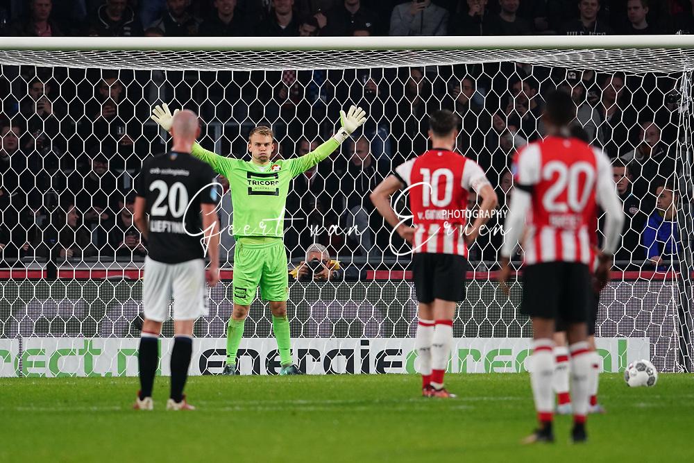 Timon Wellenreuther of Willem II, Marco van Ginkel of PSV