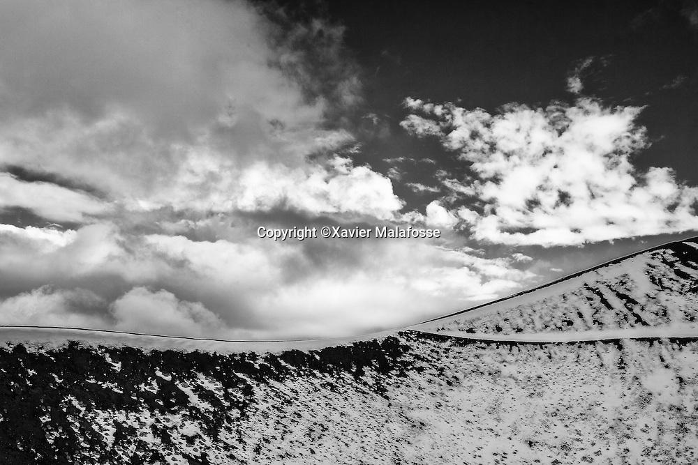Vue depuis l'arrete opposee du Monte Silvestri Superiore.