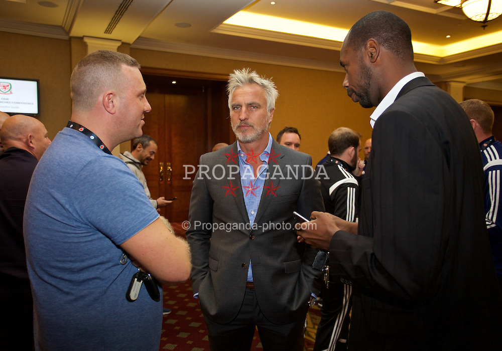 NEWPORT, WALES - Friday, May 29, 2015: Delegate Emile Coleman with David Ginola and Everton coach Dennis Lawrence during the Football Association of Wales' National Coaches Conference 2015 at the Celtic Manor Resort. (Pic by David Rawcliffe/Propaganda)