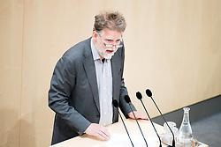 """24.04.2019, Hofburg, Wien, AUT, Parlament, Nationalratssitzung, Sitzung des Nationalrates mit Aktuellen Stunde der Neos mit dem Titel """"Diese Regierung hat keine Ahnung vom Internet"""", im Bild Nationalratsabgeordneter Alfred Noll (Jetzt) // Member of the National Council Alfred Noll (Jetzt) during meeting of the National Council of austria due to the topic """"Internet"""" at Hofburg palace in Vienna, Austria on 2019/04/24, EXPA Pictures © 2019, PhotoCredit: EXPA/ Michael Gruber"""