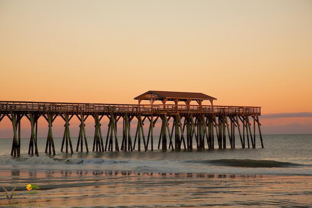 Atlantic ocean Fishing pier with calm ocean