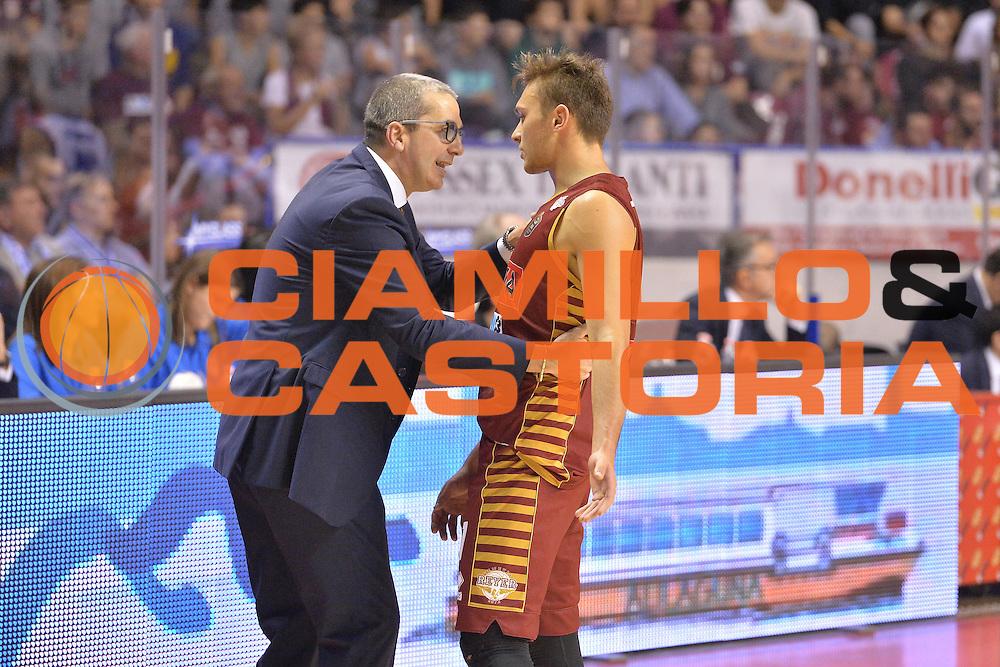 Walter De Raddaele Stefano Tonut<br /> Umana Reyer Venezia - Germani Basket Brescia<br /> Lega Basket Serie A 2016/2017<br /> Venezia 18/12/2016<br /> Foto Ciamillo-Castoria