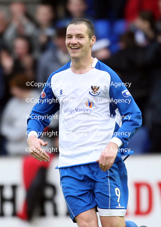 St Johnstone v Clyde....27.10.07<br /> Kenny Deuchar celebrates his goal<br /> Picture by Graeme Hart.<br /> Copyright Perthshire Picture Agency<br /> Tel: 01738 623350  Mobile: 07990 594431