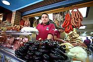Efrain Valderrey, vendedor de cochino durante el recorrido por el Junquito. 31-08-2008 (ivan gonzalez)